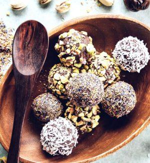 schokobällchen in kokosflocken gewälzt
