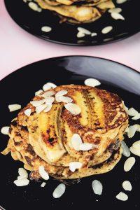 Banana-Bread-Pancakes-2