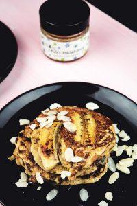 Banana-Bread-Pancakes-3