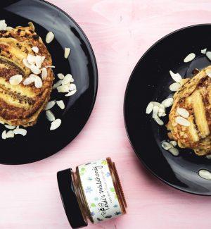 Banana-Bread-Pancakes-4